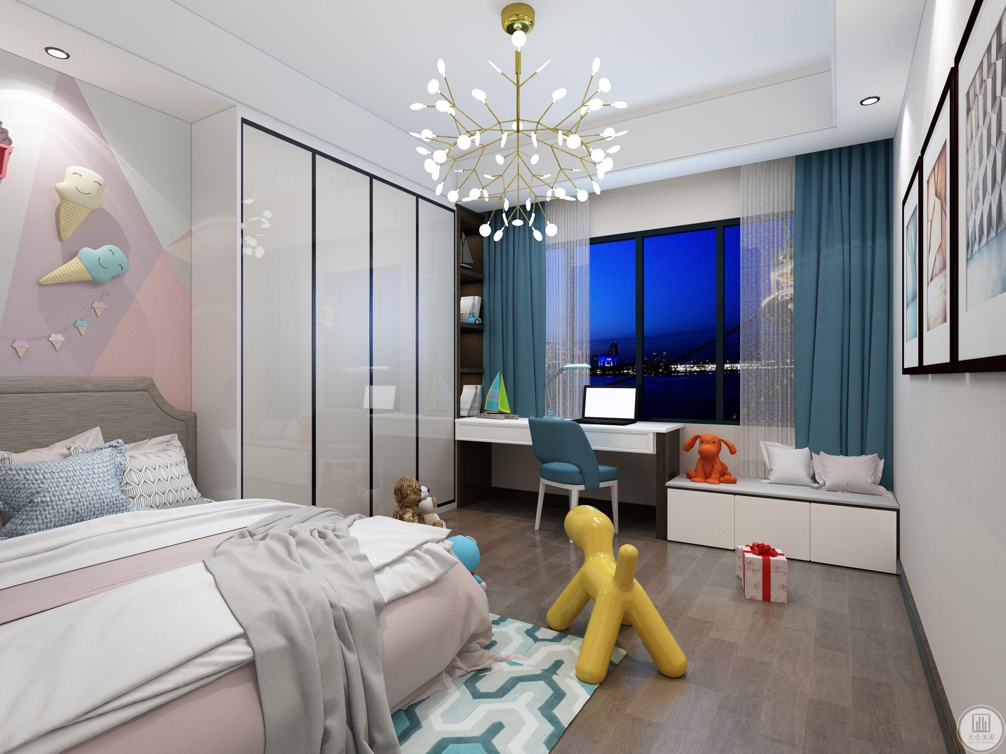 将北面房间与主卧连接成为套间有较大的衣帽间。同时也可分离。