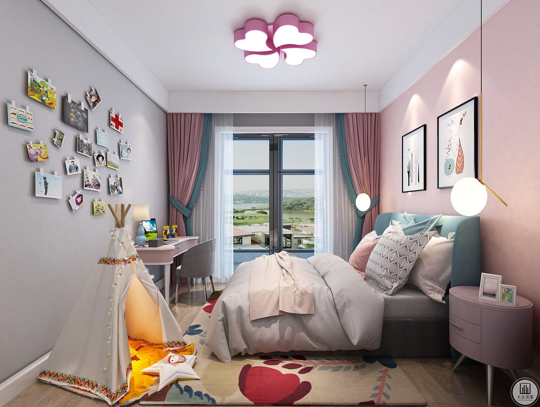简单的颜色、简单的家具,缔造出不简单的格调,房间的整体造型脱离传统的复杂,床头背景墙没有过多的修饰,只用了两幅壁画,壁画为了和整个房间格调一致,没有运用亮丽的颜色