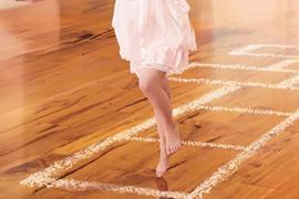 昆山装修设计:铺瓷砖好还是木地板好?